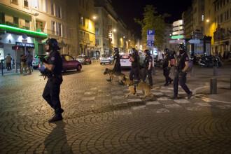 Primele incidente la UEFA Euro 2016. Fanii englezi s-au batut cu politisti si localnici, in Marsilia: