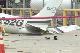 Trei morti in SUA, dupa ce un avion de mici dimensiuni s-a prabusit peste o masina