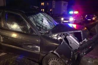 Un barbat din Maramures a fost la un pas de moarte dupa ce a intrat cu masina intr-un cap de pod in Baia Mare