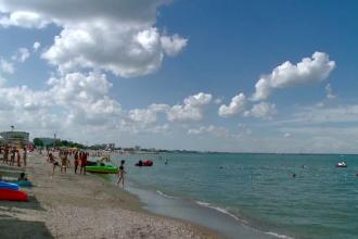 Vacantele elevilor incurca afacerile hotelierilor de pe litoral.