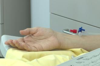 Un tratament pentru bolnavii de cancer va ajunge si in Romania. In afara se platesc mii de euro, aici ar putea fi decontat