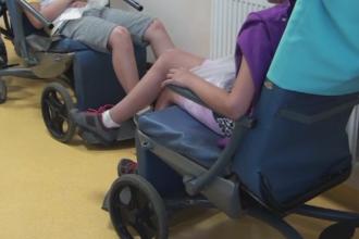 Zeci de elevi si adulti au ajuns din excursie la spital dupa ce au mancat la un hotel de langa Suceava. DSP a inceput ancheta