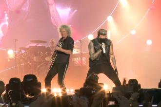 Concertul Queen + Adam Lambert a strans mii de fani in Piata Constitutiei. Omagiul emotionant adus lui Freddie Mercury