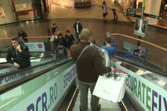 Orban: Magazinele din mall-uri care au intrări exterioare vor fi deschise după ridicarea stării de urgenţă
