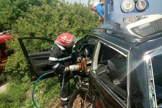 Masina lovita de tren, in cartierul Viisoara din Bistrita. 4 persoane au murit iar una este in stare grava