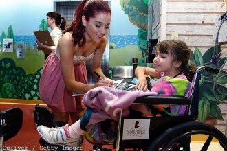 Surpriza facuta de Ariana Grande fanilor internati intr-un spital din Manchester, inainte de un concert in beneficiul lor