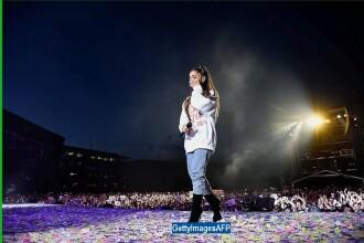 """Ariana Grande, in lacrimi in timpul concertului """"One Love Manchester"""