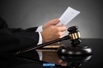 """Deputații au votat """"superimunitate"""" pentru judecătorii Curții Constituționale"""