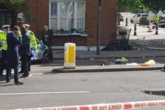 Un mort si trei raniti, dupa ce o masina a intrat intr-o casa din centrul Londrei. Doi barbati au fost arestati. FOTO