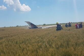 Un avion MIG 21 Lancer s-a prabusit in Constanta. Pilotul nu isi simte picioarele, iar marti va fi operat