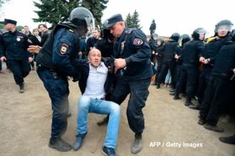 Mii de oameni au protestat la Moscova fata de coruptia elitelor, iar sute au fost arestati. Ce a patit opozantul Navalny