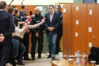 Cine e Darius Valcov, cel care a facut evaluarea guvernului Grindeanu. Ar fi luat spaga in cimitir si e cercetat in 3 dosare