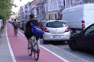 Pentru a evita blocajele in trafic, clujenii sunt incurajati sa mearga pe bicicleta. Cu ce sunt rasplatiti cei care accepta
