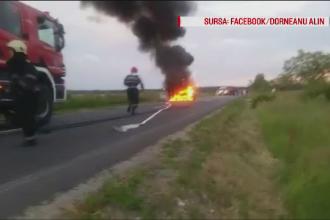O masina a ars ca o torta, pe un drum dintre Lugoj si Buzias. Ce a facut soferul