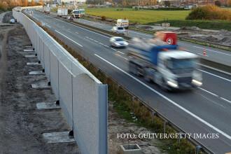 Accident grav in Franta, din cauza unui baraj rutier instalat de migranti. Soferul unui camion polonez a murit