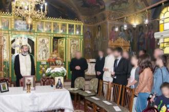 Preot injunghiat intr-o biserica, in Capitala. Atacatorul ar fi vrut sa se razbune: