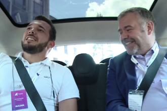 Omul de afaceri din Cluj care a plimbat cu limuzina 20 de tineri: au avut 15 min sa-l convinga sa investeasca in ideea lor