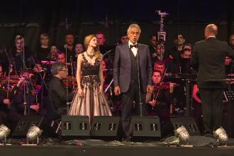 Peste 9.000 de spectatori au fost cuceriti de vocea unica a lui Andrea Bocelli. Suprizele unui concert magistral