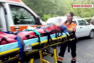 FILMUL accidentului din Brasov, unde un autocar cu 36 de oameni s-a rasturnat. Cum s-a produs si in ce stare sunt ranitii