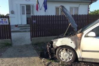 Atac asupra sediului politiei dintr-o comuna din Neamt. Cladirea a fost vandalizata, iar masina sefului de post, incendiata