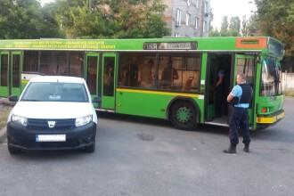 Un sofer de la RATC Constanta, retinut de jandarmi. Barbatul fura combustibil chiar din autobuzul pe care-l conducea