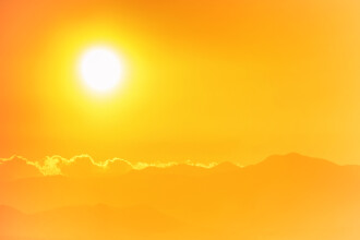 Cod portocaliu de canicula joi, pentru cinci judete din sudul tarii, unde temperaturile vor ajunge pana la 40 de grade