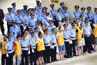 Proces in fata a 10.000 de oameni, in China. 13 traficanti de droguri, condamnati la moarte, 8 au fost executati imediat