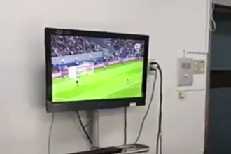 Caz revoltator in Chile, unde mai multi medici sunt acuzati ca s-au uitat la meci in timpul operatiei. Reactia superiorilor