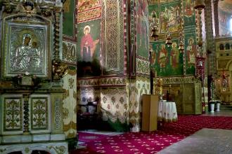 Doi preoti caterisiti si-au cerut scuze public pentru a fi iertati de Sfantul Sinod. Pentru ce au fost exclusi initial