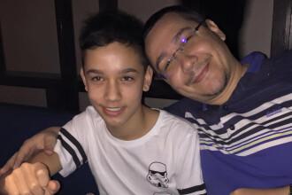 Fiul lui Victor Ponta, transportat la spital. Ar fi suferit un edem cerebral la un meci de rugby