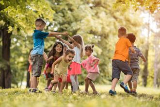 Situație îngrijorătoare: doar 8% dintre copii fac mișcare în aer liber