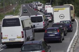 Șoferi furioşi, după ce au început vacanţa blocați pe DN1.