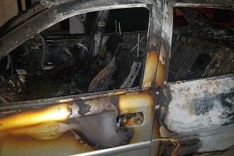 Maşina unui jurnalist din Timişoara, incendiată noaptea.