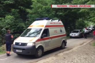 Tragi-comedie în Cluj, ambulanță cu pacient, blocată de muncitorii care asfaltau drumul