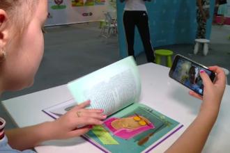 """""""Booktuberi"""": la 12 ani, au zeci de mii de urmăritori și milioane de vizualizări"""