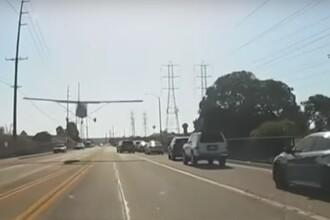 Momentul în care un avion a aterizat, de urgență, pe o stradă aglomerată din Los Angeles. VIDEO