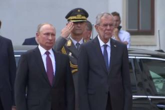 Vladimir Putin, primit cu onoruri militare la Viena. E prima vizită în Occident într-un an