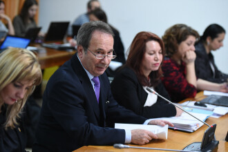 Preşedinţii CCR, ÎCCJ, CSM şi Academiei Române vor primi gratuit reşedinţe de la RA-APPS