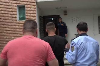 Bărbatul care a agresat un om al străzii e liber. Și-a amenințat iubita cu moartea