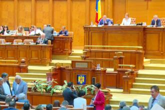 """Scandal în Parlament, după votarea Fondului Suveran de Investiţii. Opoziția acuză un """"jaf național"""""""