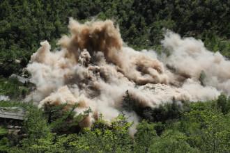 """Distrugerea sitului nuclear nord-coreean, """"praf în ochii inamicilor din Occident"""""""