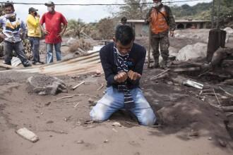 109 morţi, după erupţia vulcanului Fuego. Ar putea urma explozii şi alunecări de teren