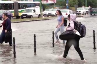 Inundații serioase în Brașov. În câteva minute străzile au fost acoperite de apă