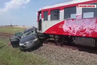 Trei persoane au ajuns la spital, după ce mașina lor a fost lovită de tren, la Caracal