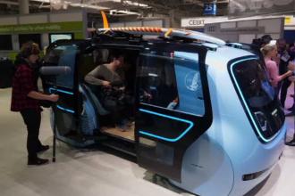 Taxele sau locurile de parcare vor fi plătite în viitor de mașinile inteligente