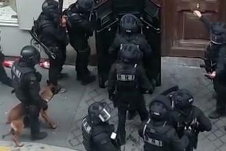 Luare de ostatici în Paris. Autorul a fost încătuşat, iar ostaticii eliberați în siguranță