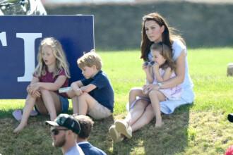 Prințul George a fost îmbrâncit la un eveniment oficial, de față cu mama sa. VIDEO