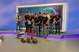 """Watt's App, echipa elevilor de la Colegiul """"Dinicu Golescu"""", a venit cu un robot la iLikeIT"""