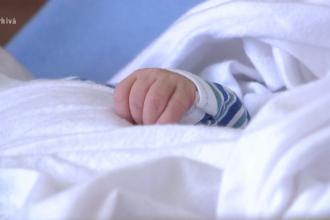 Un bebeluș a murit, după ce contractat virusul care declanşează rujeola în spital