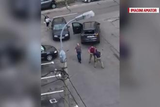 Ce a păţit bărbatul care a distrus mașina unui vecin cu un semn de circulație